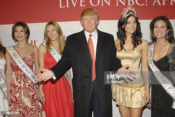 Donald Trump with former Miss Universes and the current Miss Universe, Natalie Glebova
