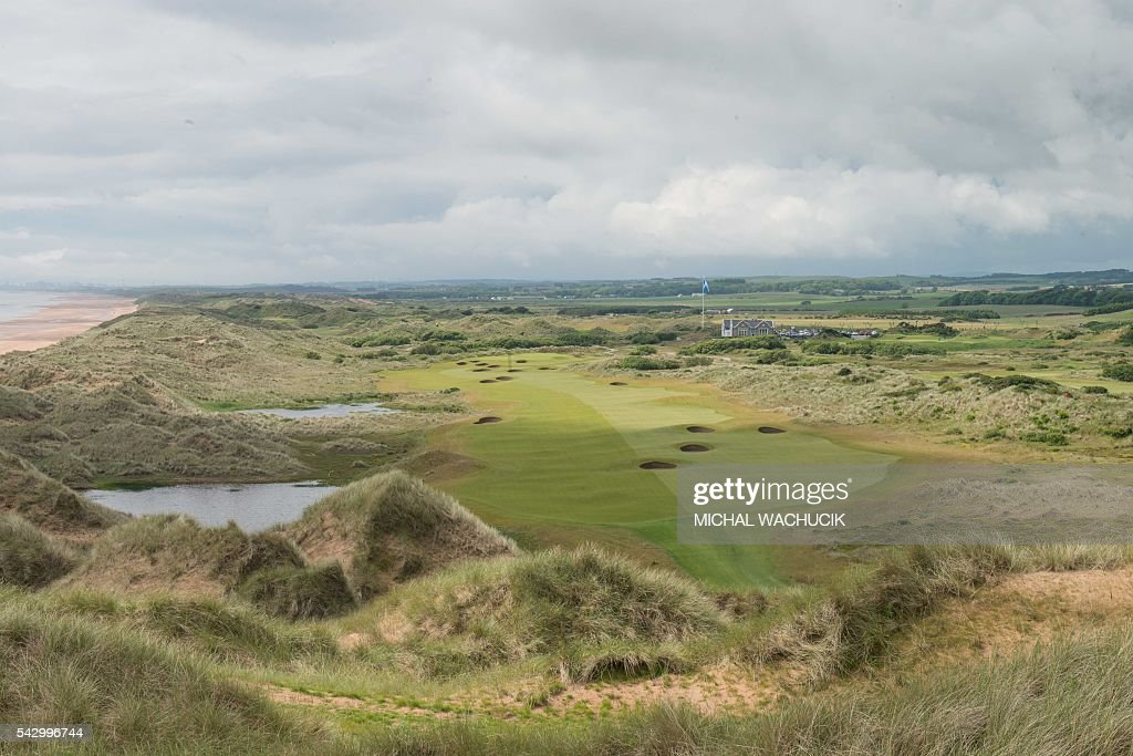 BRITAIN-US-REPUBLICAN-TRUMP-GOLF : News Photo