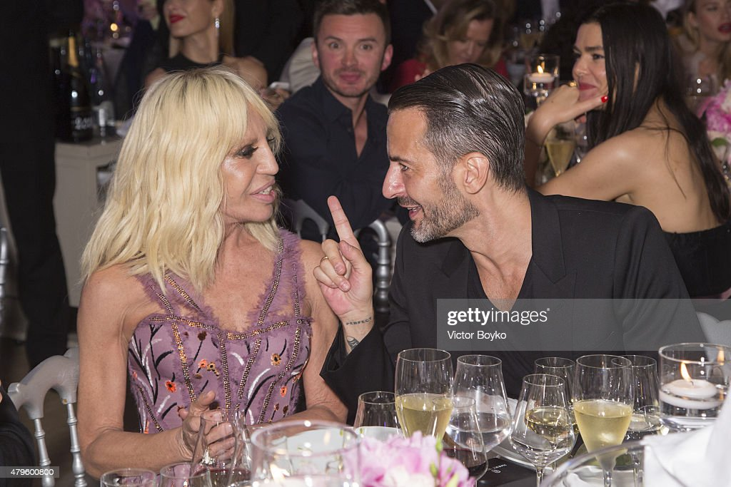 Donatella Versace and Marc Jacobs attend the amfAR dinner at the Pavillon LeDoyen during the Paris Fashion Week Haute Couture on July 5, 2015 in Paris, France.
