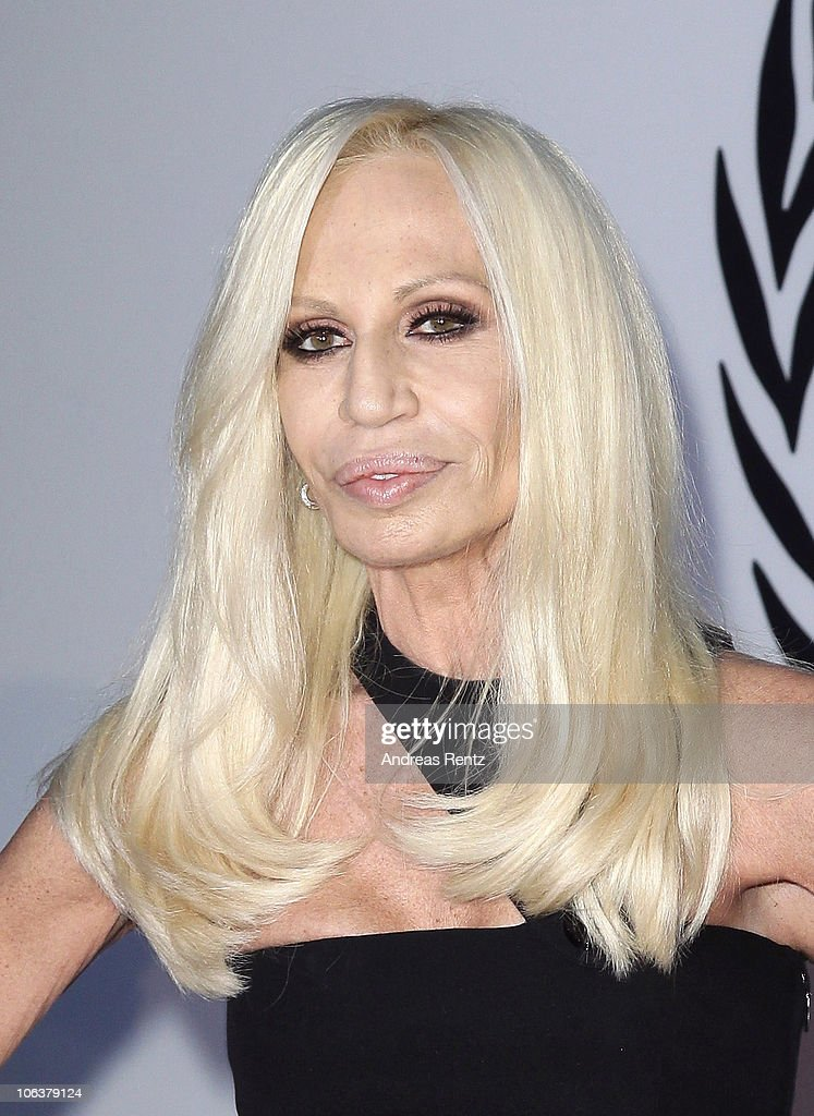 Donatella Versace arrives for the UNESCO Charity-Gala 2010 at Maritim Hotel on October 30, 2010 in Duesseldorf, Germany.