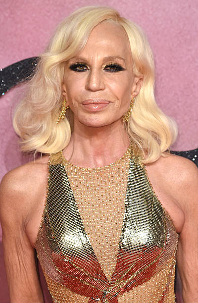Versace murder pictures getty images for Donatella versace beach