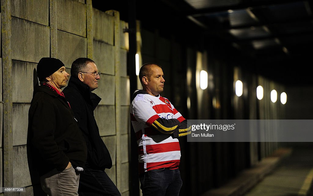 Weston-Super-Mare FC v Doncaster Rovers - FA Cup First Round : News Photo