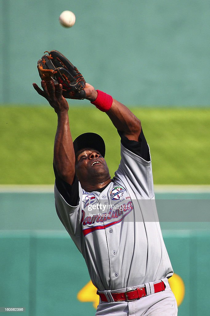 Donenn Linares of Republica Dominicana during the Caribbean Series Baseball 2013 in Sonora Stadium on february 2, 2013 in Hermosillo, Mexico.