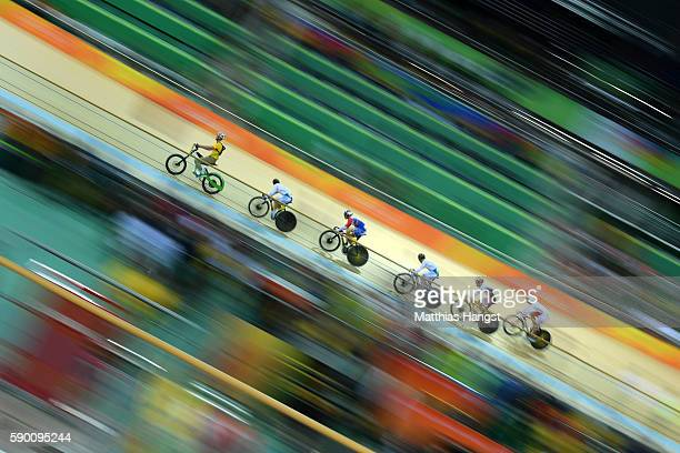 Dongjin Kang of Korea Hersony Canelon of Venezuela Chaebin Im of Korea Kazunari Watanabe of Japan and Krzysztof Maksel of Poland compete during the...