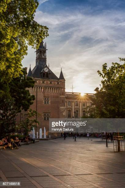 donjon du capitole in toulouse - toulouse stock pictures, royalty-free photos & images