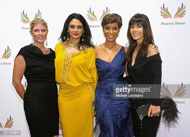 Donna D'Cruz TV personality Sade Baderinwa Heidi Banks and guest attend the 2011 Fashion Awards Dinner to benefit Phoenix House at Pier Sixty at...