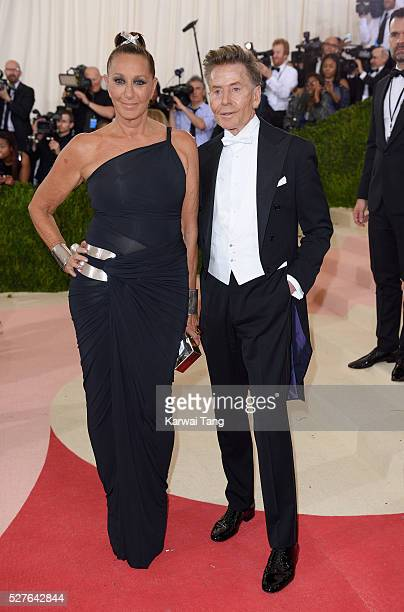 Donna Karan and Calvin Klein arrive for the 'Manus x Machina Fashion In An Age Of Technology' Costume Institute Gala at Metropolitan Museum of Art on...