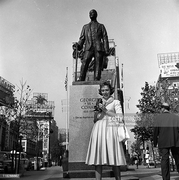 SHOW Donna Reed On Location In New York City Shoot Date September 21 1959 DONNA