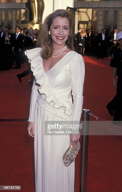 Donna Rice attends 61st Annual Academy Awards on March 29 1989 at the Shrine Auditorium in Los Angeles California