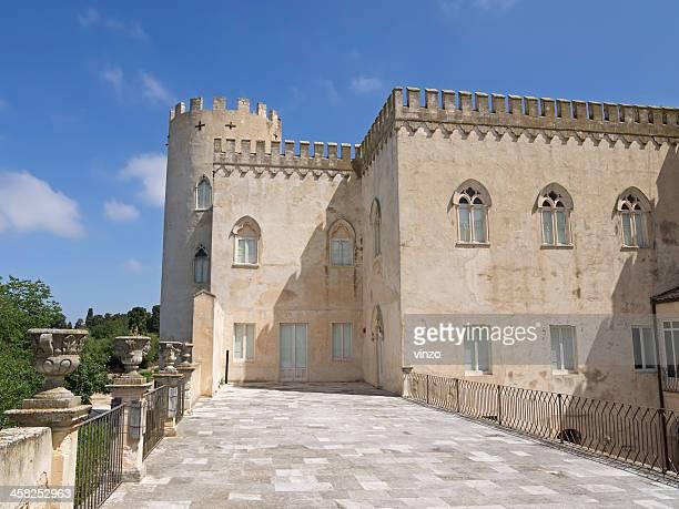 donnafugata castle balcone vista d'angolo - castello foto e immagini stock