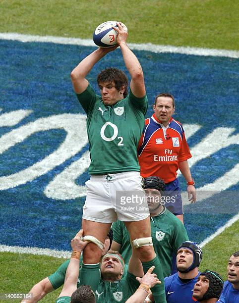 Donncha O'Callaghan of Ireland catches the line out during the RBS Six Nations Tournament between France and Ireland at Stade de France on March 4...