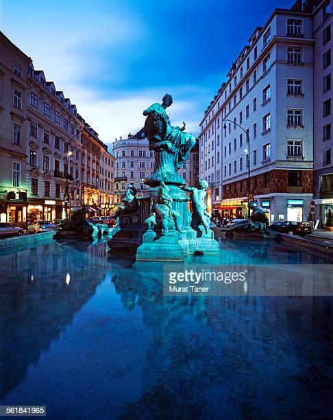 Donnerbrunnen Fountain
