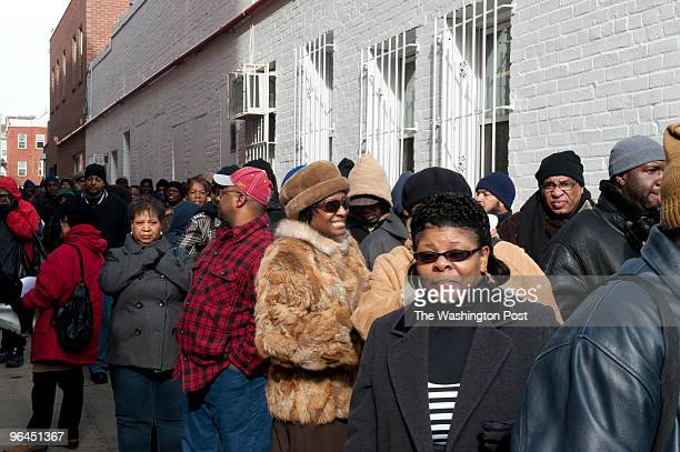 Donnie Simpson receives a warm welcome from hundreds of fans outside Ben's Chili Bowl Fans waited hours to meet and greet him Donnie Simpson's last...
