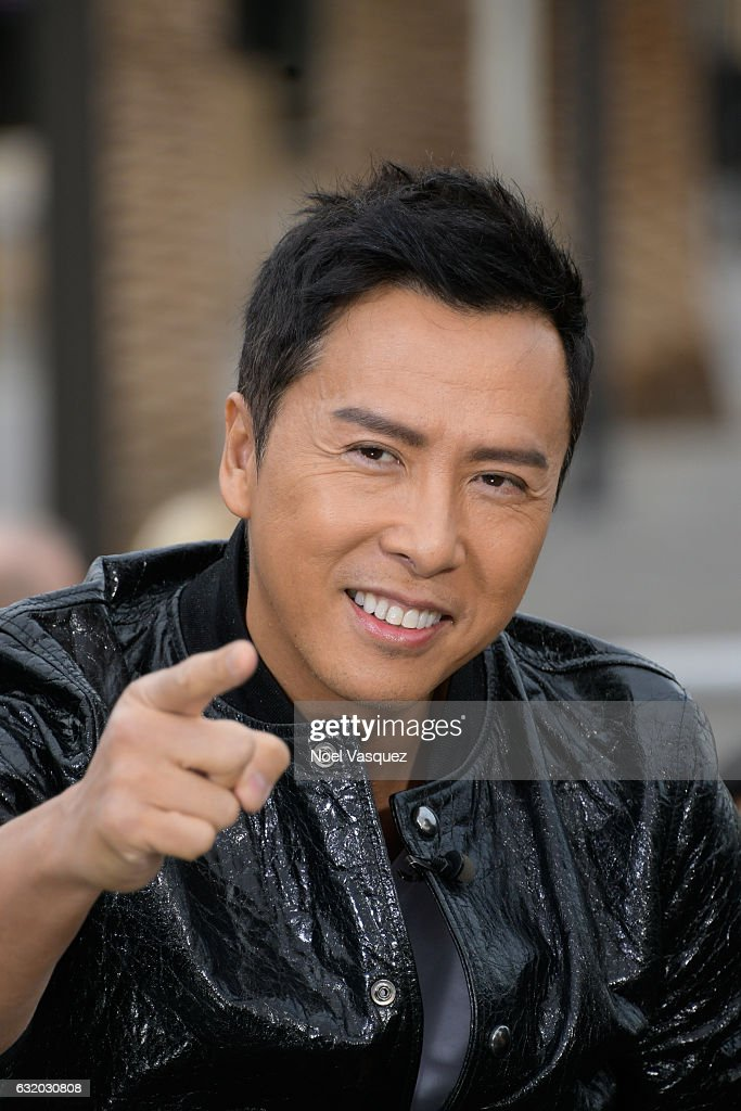 Donnie Yen visits 'Extra' at Universal Studios Hollywood on January 18, 2017 in Universal City, California.
