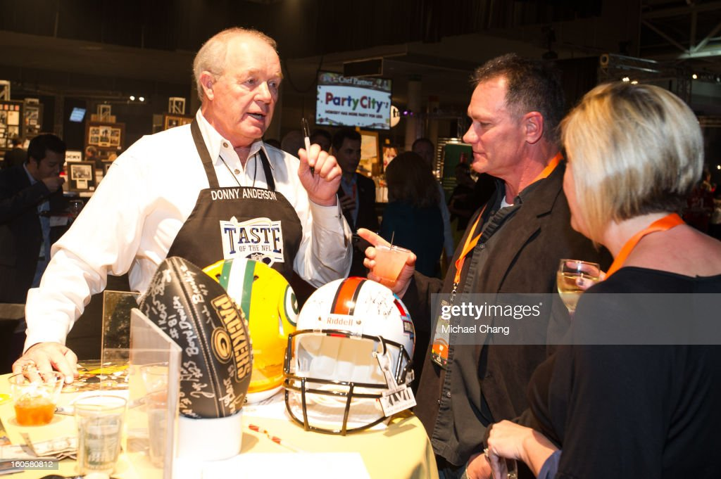 Donny Anderson speaks to a fan during the 2013 Taste of the NFL>> at the Ernest N. Morial Convention Center on February 2, 2013 in New Orleans, Louisiana.
