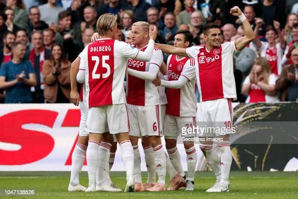Donny van de Beek of Ajax celebrates 10 with Kasper Dolberg of Ajax Maximilian Wober of Ajax Nicolas Tagliafico of Ajax Dusan Tadic of Ajax during...