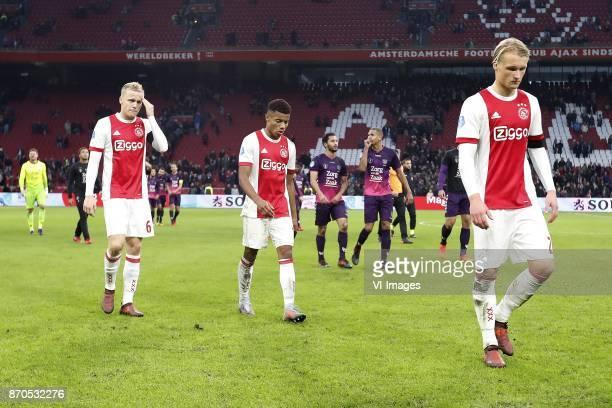 Donny van de Beek of Ajax David Neres of Ajax Mark van de Maarel of FC Utrecht Ramon Leeuwin of FC Utrecht Kasper Dolberg of Ajax during the Dutch...