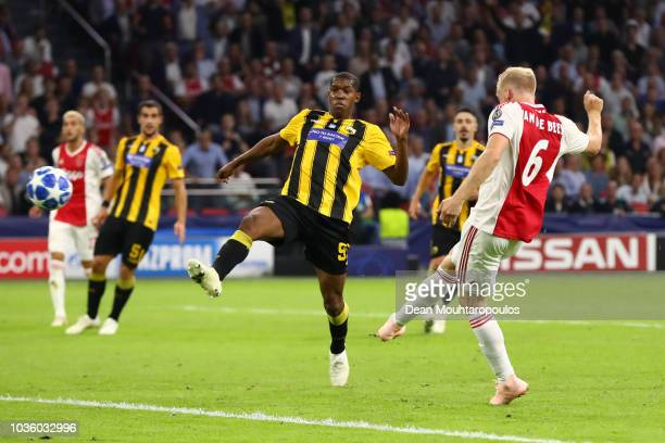 Donny van de Beek of Ajax scores his team's second goal during the Group E match of the UEFA Champions League between Ajax and AEK Athens at Johan...