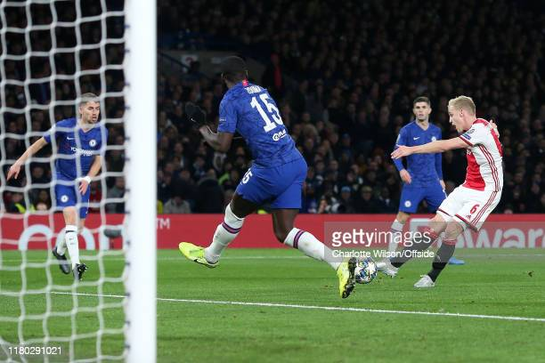 Donny van de Beek of Ajax scores their 4th goal during the UEFA Champions League group H match between Chelsea FC and AFC Ajax at Stamford Bridge on...