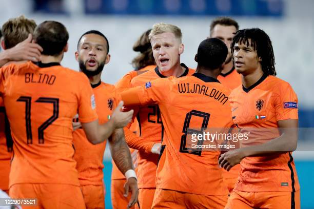 Donny van de Beek of Holland celebrates 11 with Memphis Depay of Holland Georginio Wijnaldum of Holland Nathan Ake of Holland during the UEFA Nations...