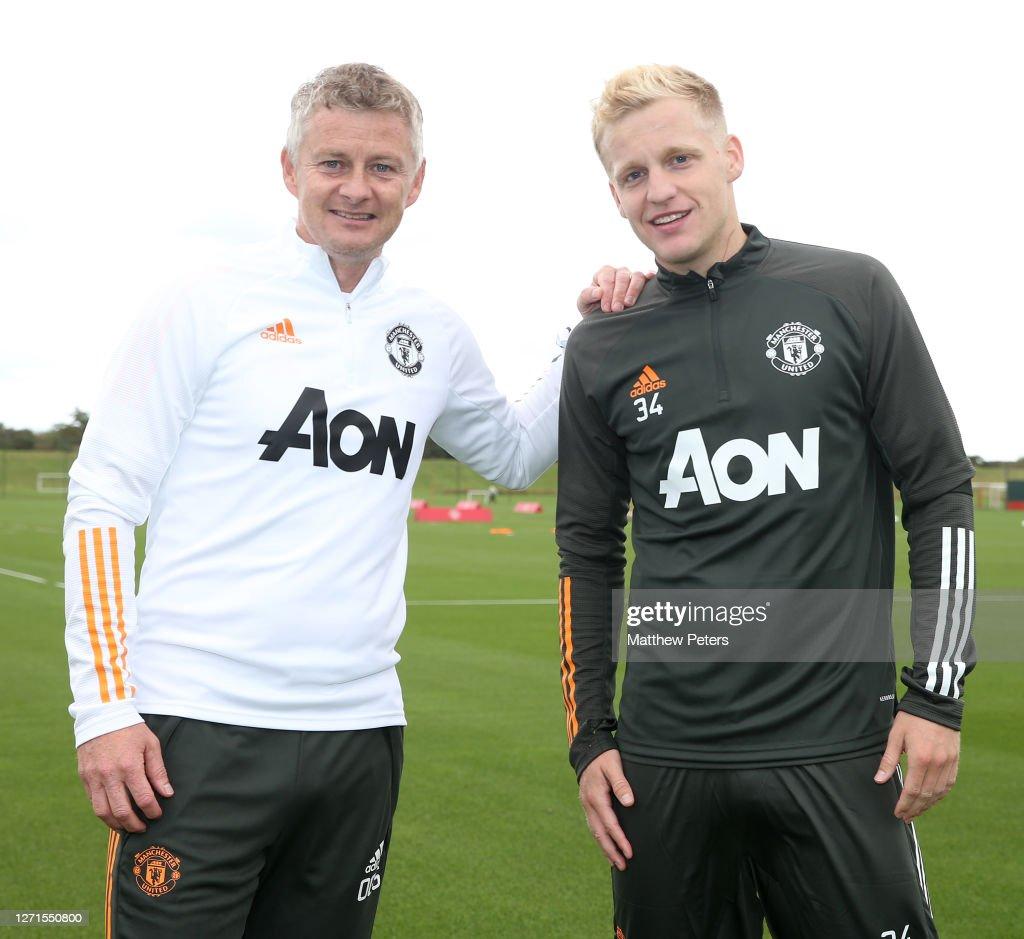 Manchester United New Signing Donny van de Beek : News Photo