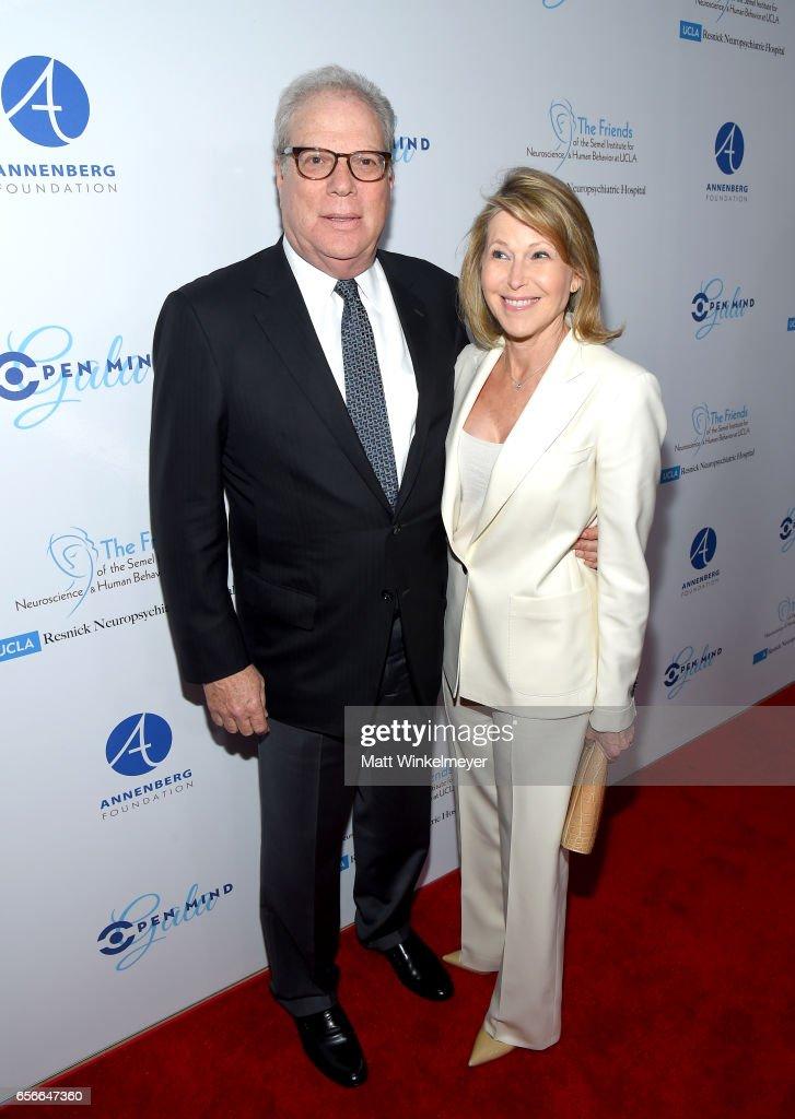 Donors Steve Gordon and Laurie Gordon attend UCLA Semel