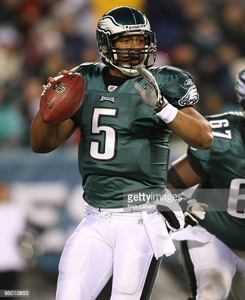 a2dcf6011fc Donovan McNabb of the Philadelphia Eagles drops back to pass against the  San Francisco 49ers at