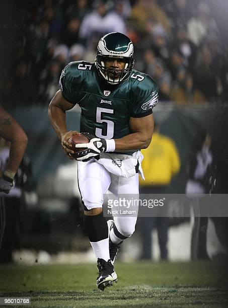 Donovan McNabb of the Philadelphia Eagles rushes against the San Francisco 49ers at Lincoln Financial Field on December 20 2009 in Philadelphia...