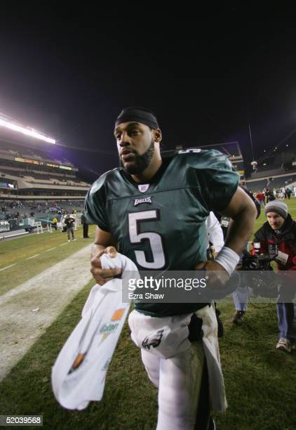 Donovan McNabb of the Philadelphia Eagles walks off the field following the game against the Green Bay Packers at Lincoln Financial Field on December...