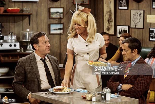 COUPLE Don't Believe in Roomers 12/22/72 Jack Klugman Joy Harmon Tony Randall