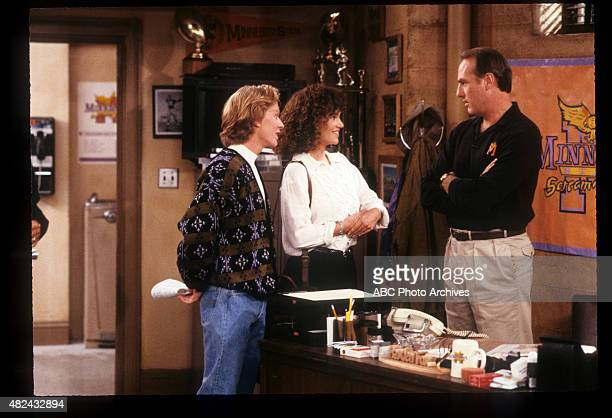 COACH I Don't Know Much About Art But I Know What Makes Me Mad Airdate November 21 1989 T NELSON