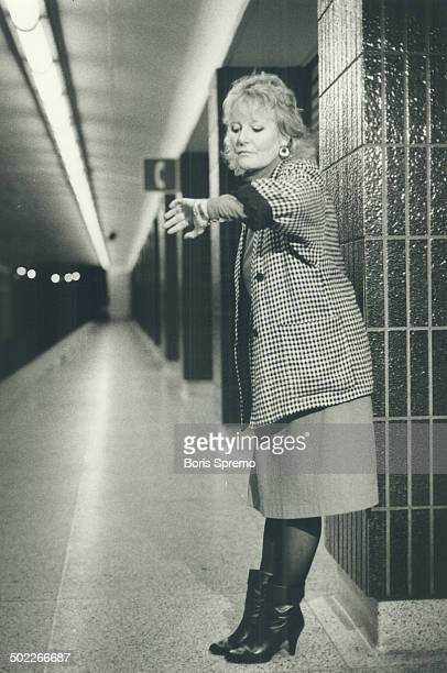 'Don't sleep in the subway' Petula Clark now appearing at the Imperial Room took a trip on the Toronto subway system this week and surprised a lot of...