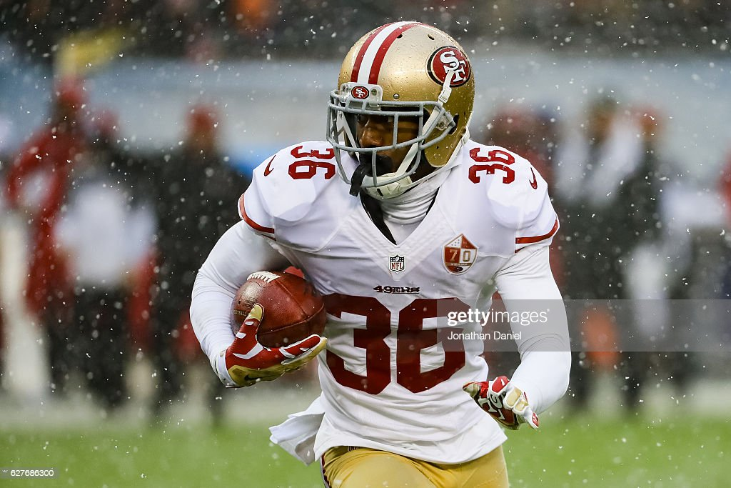 San Francisco 49ers v Chicago Bears : News Photo