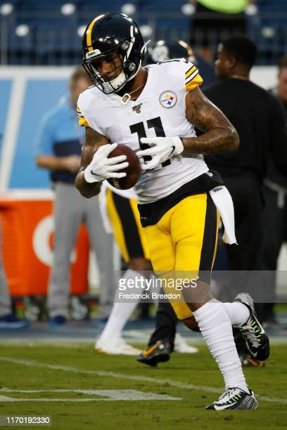 Donte Moncrief of the Pittsburgh Steelers warms up prior to an NFL preseason game against the Tennessee Titans at Nissan Stadium on August 25, 2019...