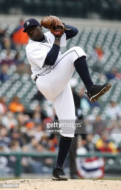 Dontrelle Willis of the Detroit Tigers pitches during the game between the Detroit Tigers and the Kansas City Royals on April 13 2010 at Comerica...
