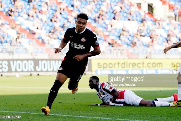 Donyell Malen of PSV celebrates 0-1 during the Club Friendly match between Willem II v PSV at the Koning Willem II Stadium on August 21, 2020 in...