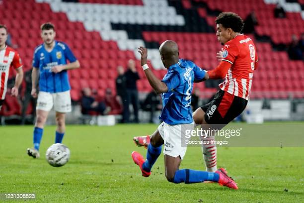Donyell Malen of PSV scores the second goal to make it 1-1 during the Dutch Eredivisie match between PSV v Vitesse at the Philips Stadium on February...