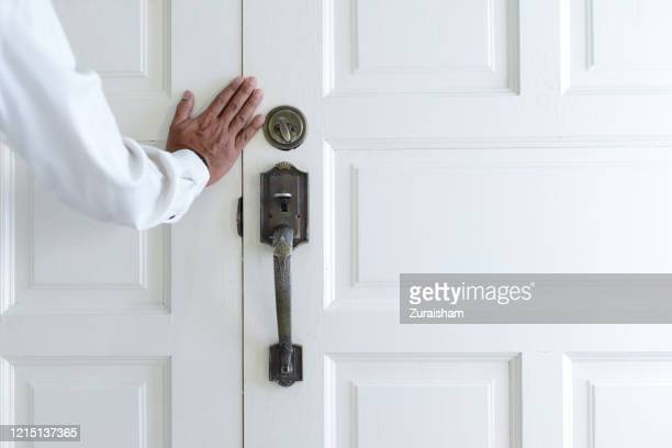 door closing - lockdown stock pictures, royalty-free photos & images