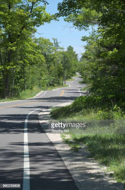 door county wisconsin winding road - iron_county,_wisconsin stock pictures, royalty-free photos & images