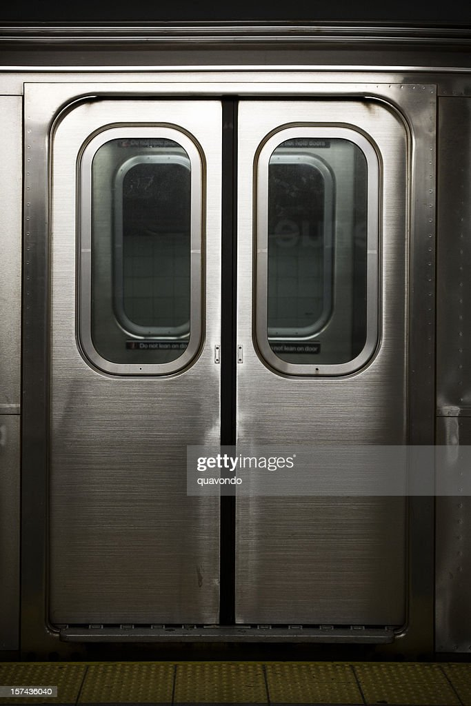 Doors to a Subway Train in New York Nobody & Vehicle Door Stock Photos and Pictures | Getty Images