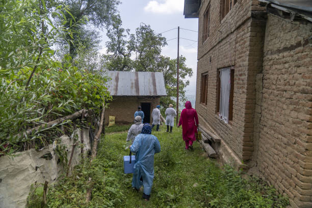IND: Door-to-Door Vaccinations in the Kashmir Valley as Delta Continues To Dominate Variants in India