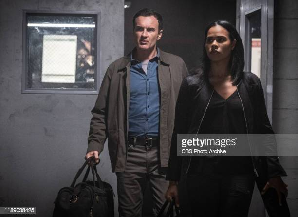 Dopesick Jess LeCroix and his elite team of FBI Fugitive Task Force agents track a doctor who's deeply involved in a world of organized crime drugs...