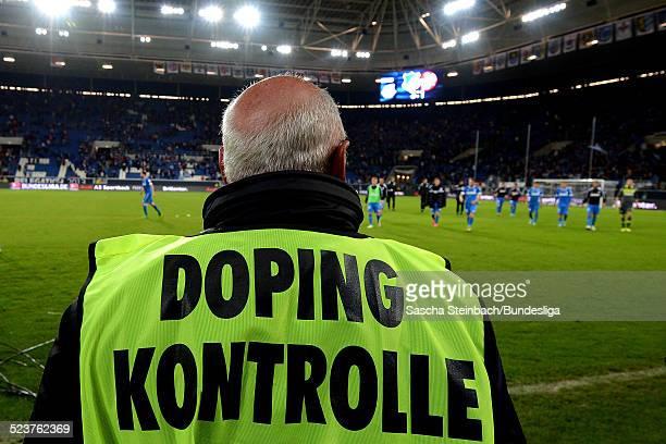 Doping Kontrolle nach dem Relegationsspiel zwischen 1899 Hoffenheim und 1 FC Kaiserslautern in der RheinNeckarArena am 23 Mai 2013 in Sinsheim...