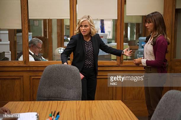 RECREATION Doppelgangers Episode 604 Pictured Amy Poehler as Leslie Knope Rashida Jones as Ann Perkins