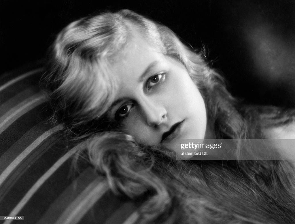 d'Ora, Daisy (Schlitter, Daisy) - Actress, Germany - *26.02.1913- Portrait - 1929 Vintage property of ullstein bild : Nachrichtenfoto
