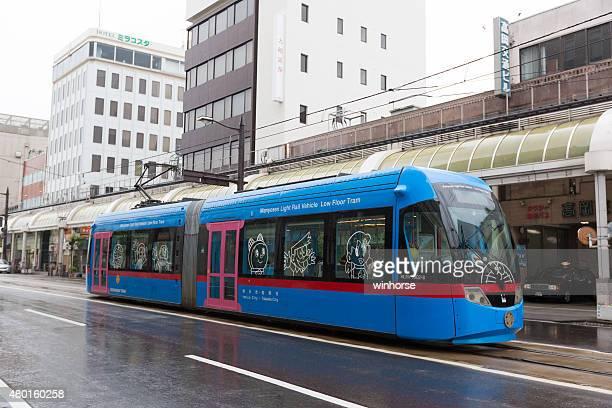 ドラえもん takaoka 駅で電車、日本 - 富山県 ストックフォトと画像
