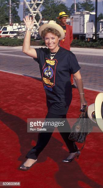 Doreen Tracey attends the premiere of 'Dick Tracey' on June 14 1990 at Disney World in Orlando Florida