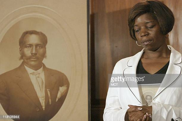 WASHINGTON DC Doria Dee Johnson the great great granddaughter of lynching victim Anthony Crawford of Abbeville South Carolina attends a press...