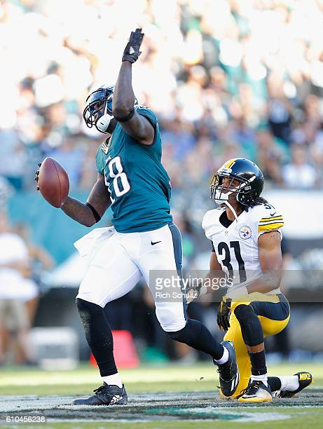 Dorial GreenBeckham of the Philadelphia Eagles reacts to a firstdown catch in the first quarter against the Pittsburgh Steelers at Lincoln Financial...