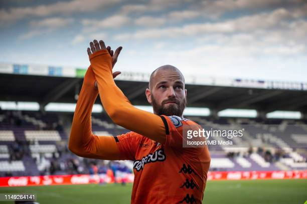 Dorian Dessoleil of Charleroi thanks the supporters during the Jupiler Pro League playoff 2 group A match between Beerschot Wilrijk and Sporting...